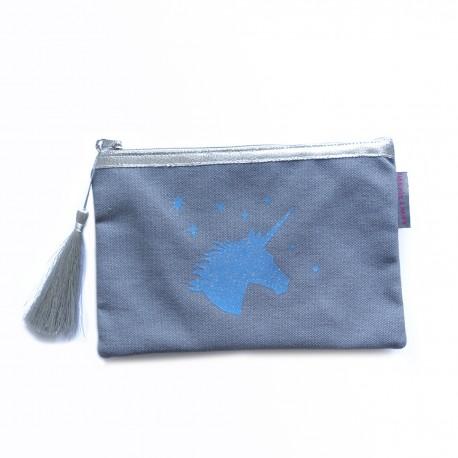 Pochette gris clair, licorne bleue