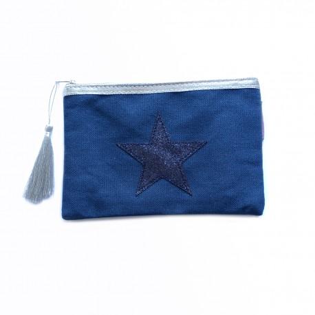 Pochette bleue, étoile bleue