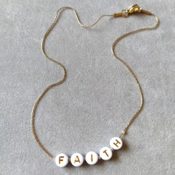 Collier à message...