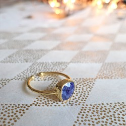 Square sapphire and gold ring